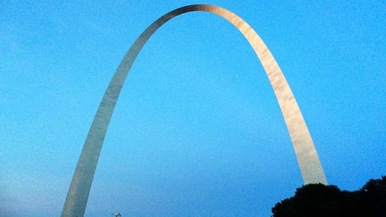 St-Louis-arch-3