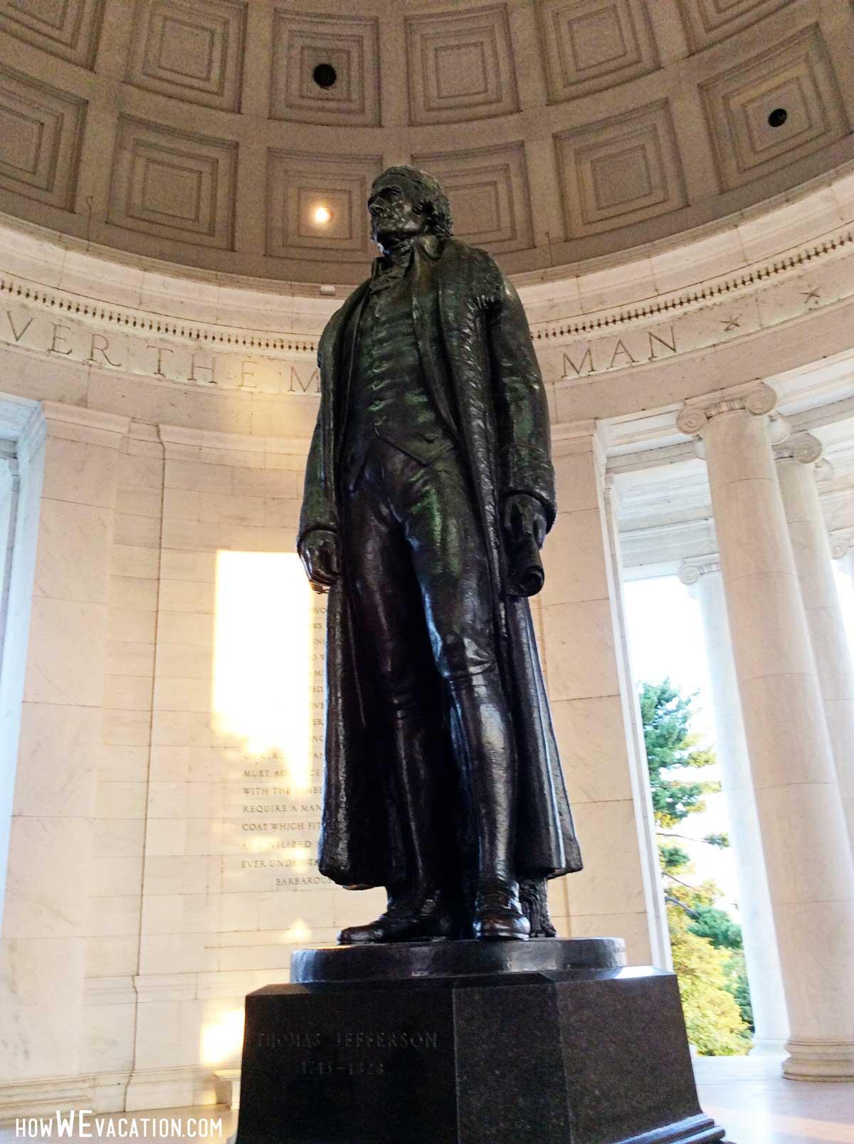 Thomas Jefferson Memorial Statue