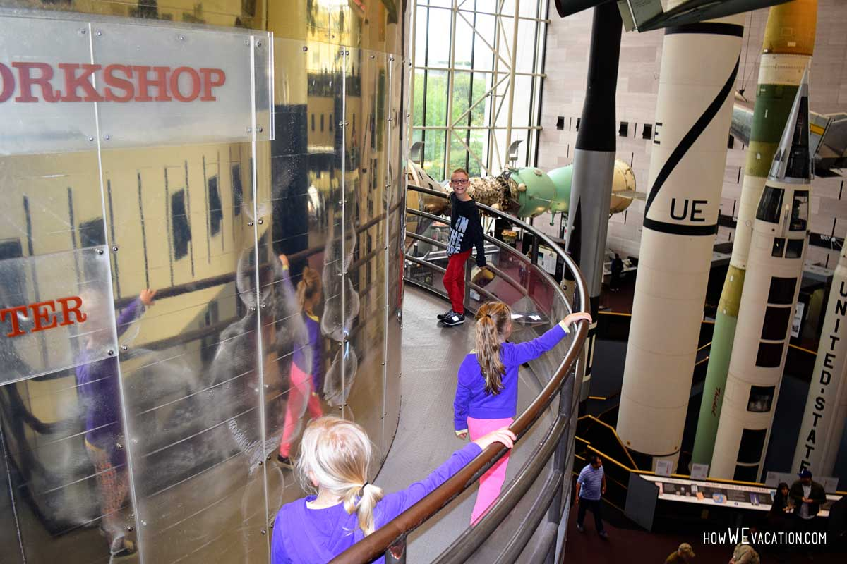 Kids at the air and space in Washington DC